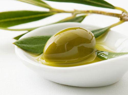 Dầu cây thầu dầu được sử dụng phổ biến trong việc điều trị các vấn đề về da, đặc biệt là rạn da.