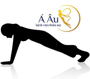 Chống đẩy nhẹ nhàng, nâng và hạ phần hông của cơ thể